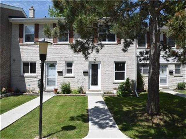 743 Steeles Ave W